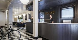 Boston Fenway Inn By Found - בוסטון - דלפק קבלה
