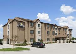 Microtel Inn & Suites by Wyndham Gonzales - Gonzales - Building