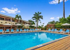 Best Western Plus Belize Biltmore Plaza - Belize Stadt - Pool