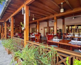 Best Western Plus Belize Biltmore Plaza - Belize City - Byggnad