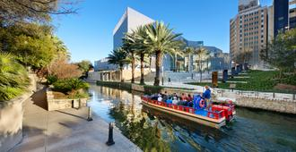 Hotel Indigo San Antonio-Riverwalk - San Antonio - Vista externa