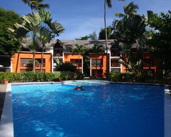 Hotel Residencia Del Paseo - Las Terrenas - Zwembad