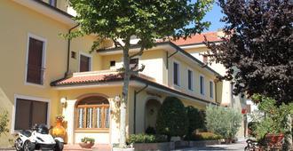 Hotel Girasole - Civitanova Marche - Gebäude