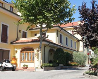 Hotel Girasole - Civitanova Marche - Building