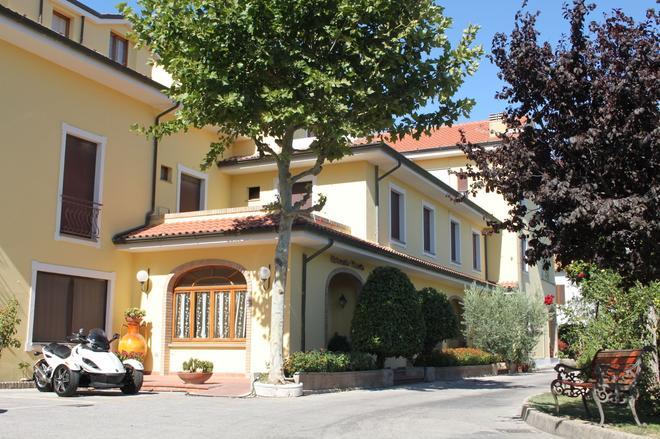 Hotel Girasole - Civitanova Marche - Edificio