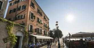 Hotel La Calcina - Venedig - Byggnad