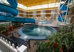 Victoria Inn Hotel and Convention Centre - Thunder Bay - Pool