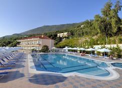 Alea Resort - Parga - Bể bơi