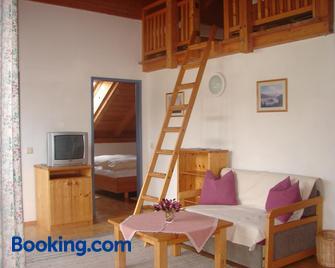 Ferienwohnungen Knaller-Möd - Weissensee - Living room