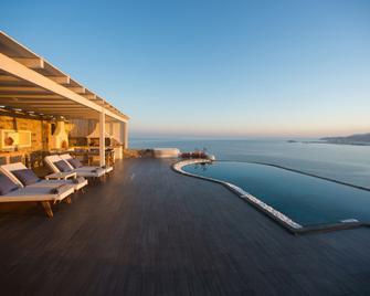 Naxos Rock Villas - Stelida - Zwembad
