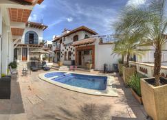 Hotel Santa Paula - Taxco - Pool