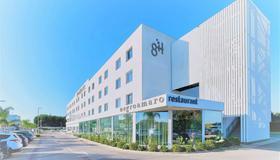 8 浦酒店 - 拉察 - 萊切 - 建築