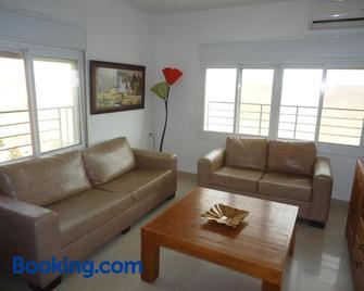Arad Odem Apartments - Arad - Living room
