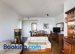 Maravilhoso apartamento 3 quartos perto PUC - Porto Alegre - Living room