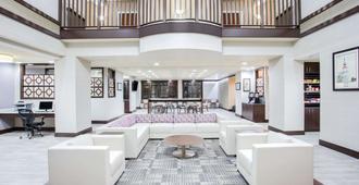 Wingate by Wyndham Rock Hill / Charlotte / Metro Area - Rock Hill - Lounge