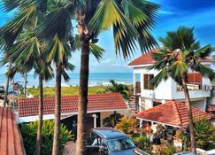 La Paradise Inn - Acra - Vista del exterior