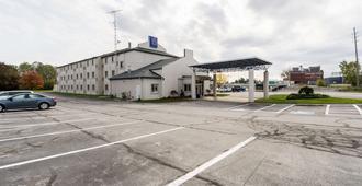 Motel 6 Sandusky - Milan - Milan - Edificio