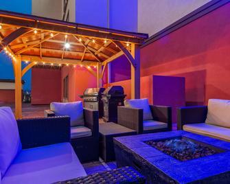 Best Western Plus Executive Residency Elk City - Elk City - Lounge