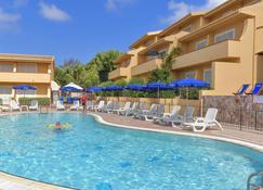 Residence Le Onde - Badesi - Pool