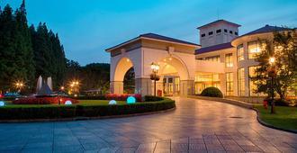 Hongqiao State Guest Hotel Shanghai - שנחאי - בניין