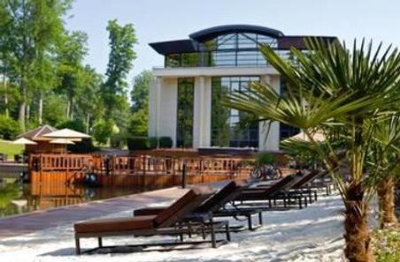 Forges Hotel - Forges-les-Eaux - Building