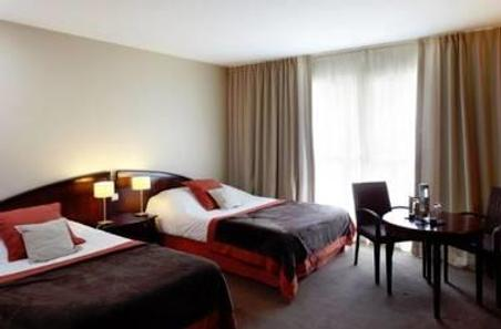 Forges Hotel - Forges-les-Eaux - Bedroom
