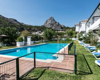 Hotel Villa de Grazalema - Грасалема - Басейн