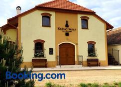 Penzion Krásný sklep - Znojmo - Building