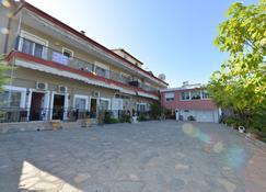 Studios Kostas & Despina - Krinídes - Edificio