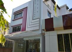 Serene Valley Hotel - Yangon - Bina