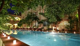 Forest King Hotel - Siem Reap - Piscina