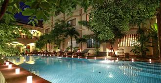 Forest King Hotel - Siem Reap - Πισίνα