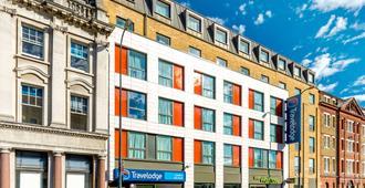 Travelodge London Vauxhall - London - Building