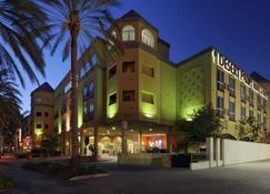 Desert Palms Hotel & Suites - Anaheim - Bangunan