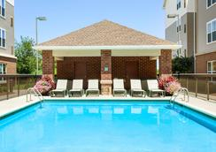 Homewood Suites by Hilton Reading-Wyomissing - Reading - Pool