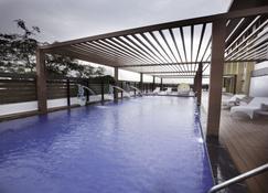 Grand Kakinada By Grt Hotels - Kakinada - สระว่ายน้ำ