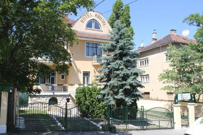 Villa Hotel Kristal - Budapest - Edificio