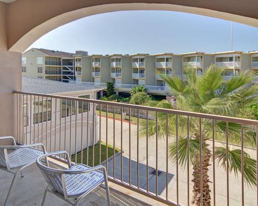 Comfort Inn & Suites Beachfront - Galveston - Balcony