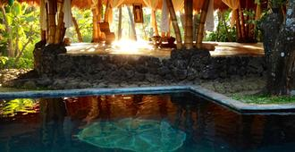 Omunity Bali - Buleleng - Pool