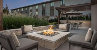 Country Inn & Suites Seattle-Tacoma Airport - SeaTac - Patio