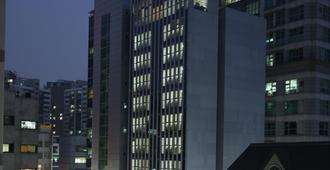 Navi Hotel Residence - סיאול