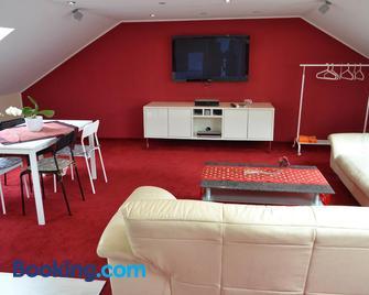 Loft Apartments Pulheim - Pulheim - Living room