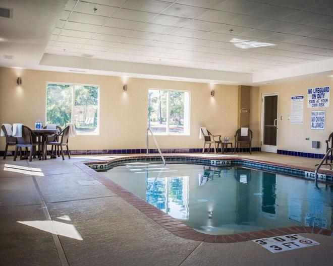 Comfort Suites at Harbison - Columbia - Pool