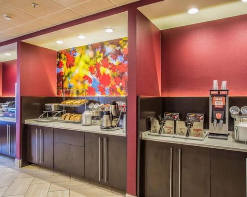 Comfort Suites at Harbison - Columbia - Buffet