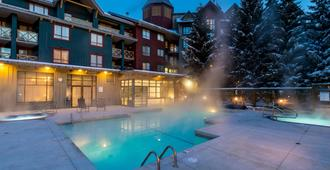 Delta Hotels by Marriott Whistler Village Suites - Whistler - Uima-allas