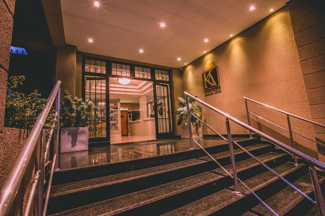 Ka Business Hotel - Bragança Paulista - Aufgang