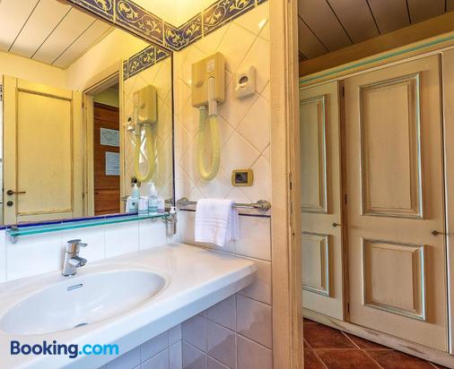 Hotel Club Saraceno - Arbatax - Bathroom