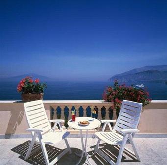 Hotel Miramare - Sorrento - Balcony