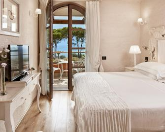 La Villa Del Re - Adults Only - Castiadas - Bedroom