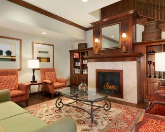 Country Inn & Suites by Radisson, Gillette, WY - Gillette - Living room